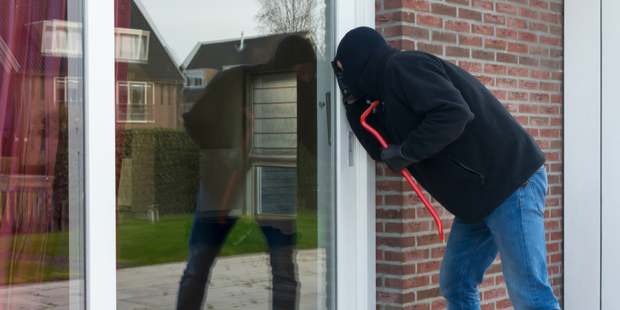How Do Thieves Select A Home To Rob?